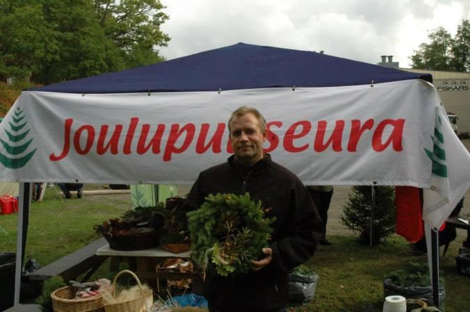 Juha Ruuska toimii myös Joulupuuseuran hallituksen puheenjohtajana.